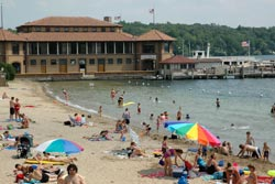 How To Find A Lake Geneva Wi Hotel