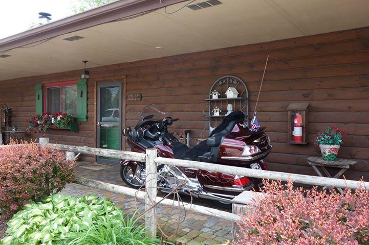 motorbike Lake Geneva Hotels with Covered Motorcycle Parking